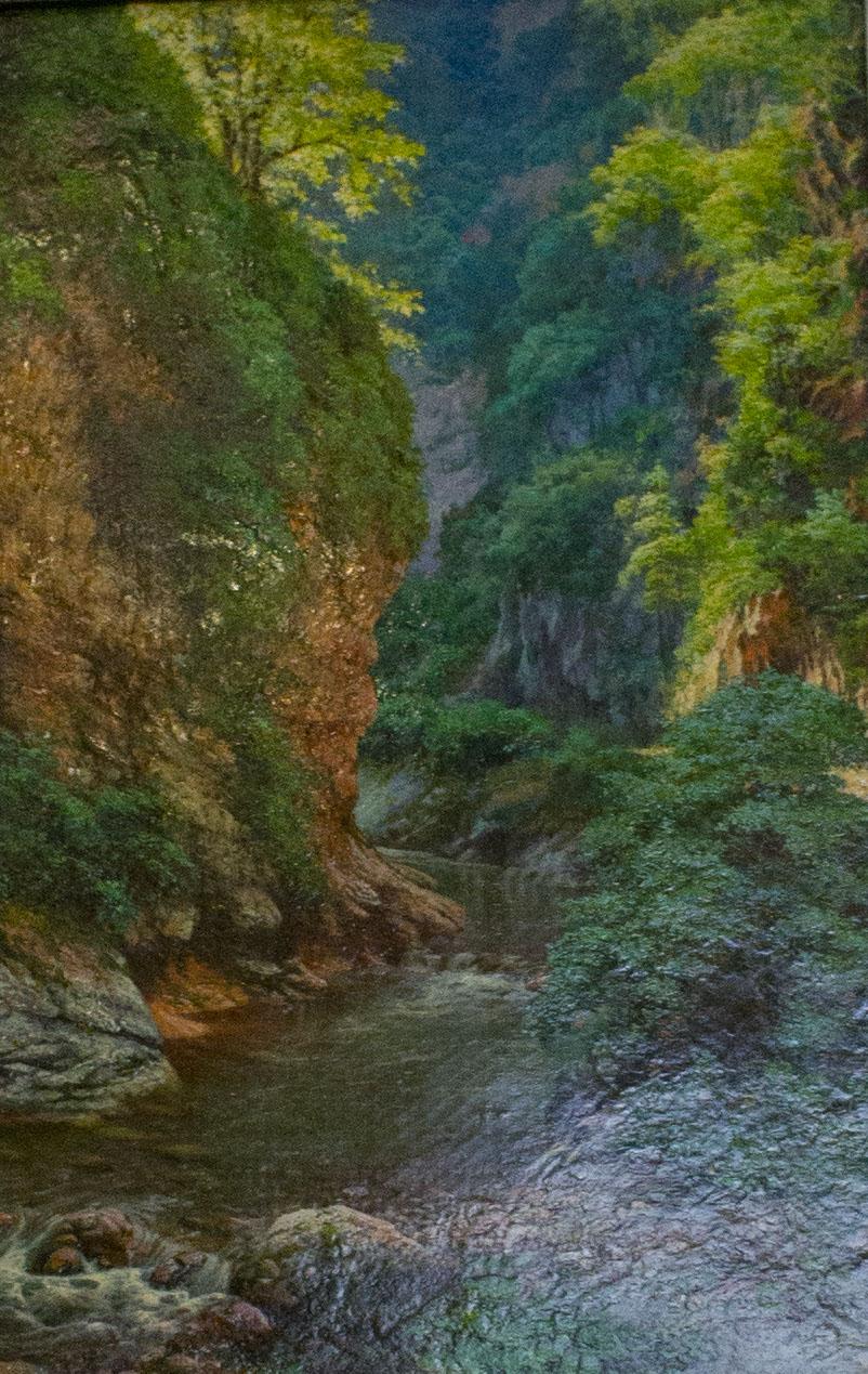 холст, масло. Миниатюрная работа с удивительной проработкой планов. Пейзаж Гуамского ущелья летом.